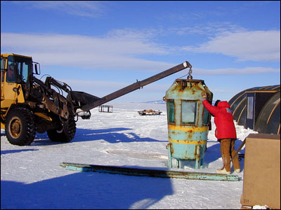 Installing the observation tube under the ice